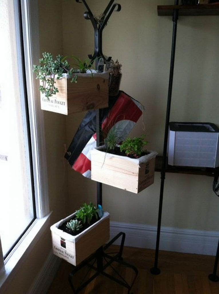 10 SpaceSaving Planter Ideas  Easy DIY for All