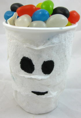 Halloween Mummy treat cup