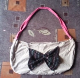 Recycled T-shirt – Butterfly Purse