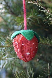 Tree Ornament – Walnut Strawberry
