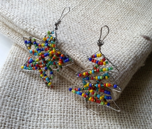 Make Colorful Beaded Ornaments