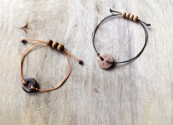 Wooden Buttons to a Fancy Bracelet