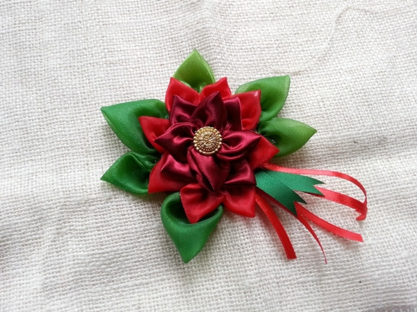 Scrap Fabric Christmas Flower