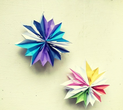 Christmas Decoration Stars made with Paper Bags