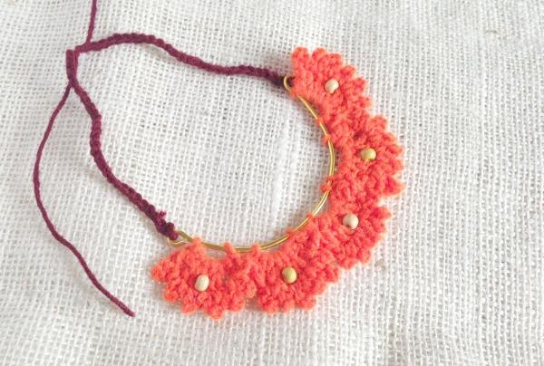 Crochet Pretty Scallop Pattern Necklace