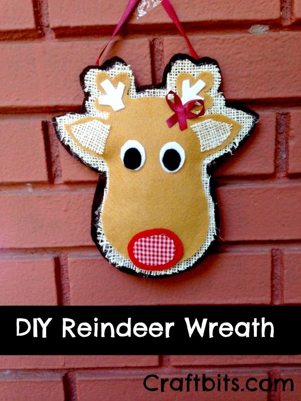 No-Sew Leftover fabric Reindeer Wreath