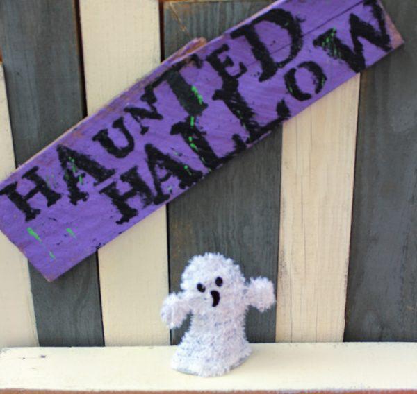 Halloween Sign –  Haunted Yard Art