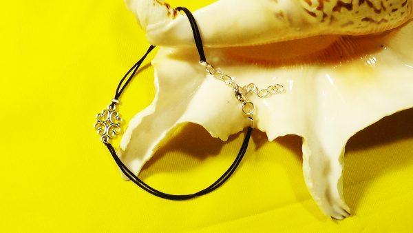 DIY Minimalist Metal Link Anklet