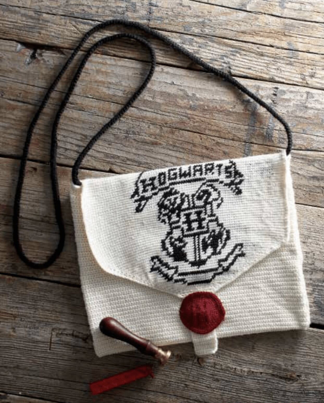 Hogwarts Acceptance Letter Cross-Body Bag: Free Crochet Pattern