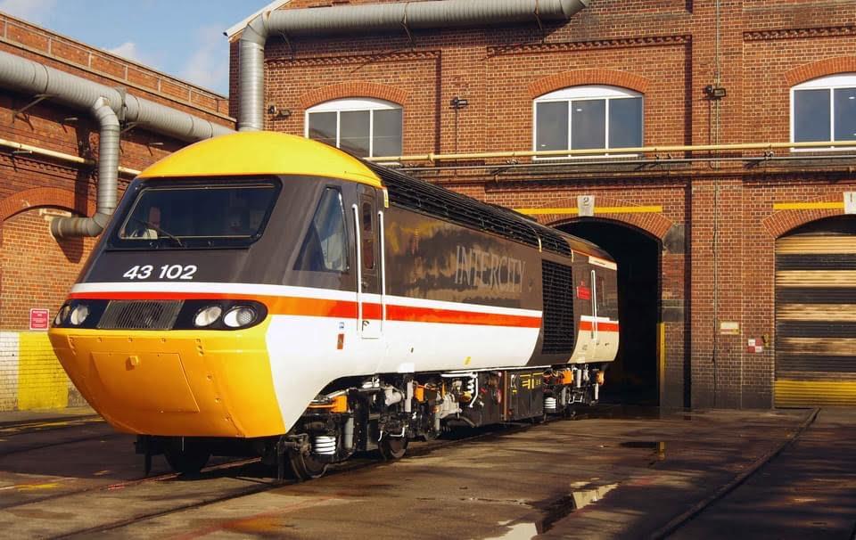 HST Inter City Swallow 43102 The Journey Shrinker Train