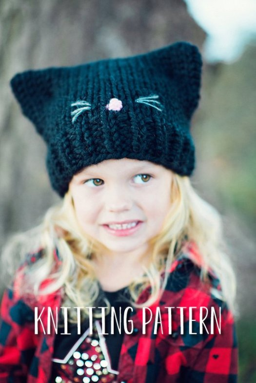 81ab76ed858 What a sweet and simple knitting pattern for a little kitten hat! Such a  lovely