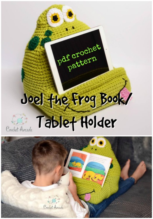 Joel the Frog Book/Tablet Holder. Fun amigurumi crochet project to hold the ipad or books for kids! Great summer crochet pattern project! #crochet #pattern #crochetpattern #amigurumipattern #tabletholder #diy #crafts #yarn #craftevangelist