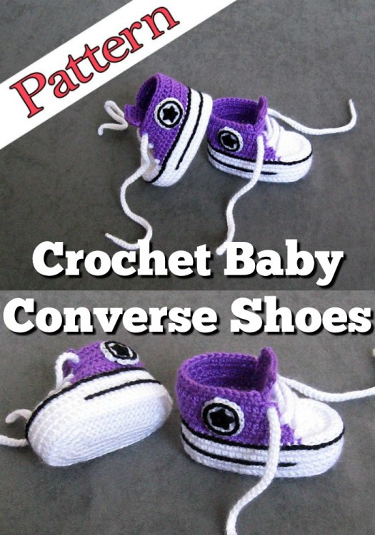 Fun Converse-inspired crochet pattern for baby slippers. How adorable are these crochet baby converse shoes? What a fun pattern for a unique handmade baby gift! #crochetpattern #crochetbabyshoes #crochetconverse #crochetslippers #crochetbooties #crochetbabybooties #bootiepattern #yarn #crafts #craftevangelist