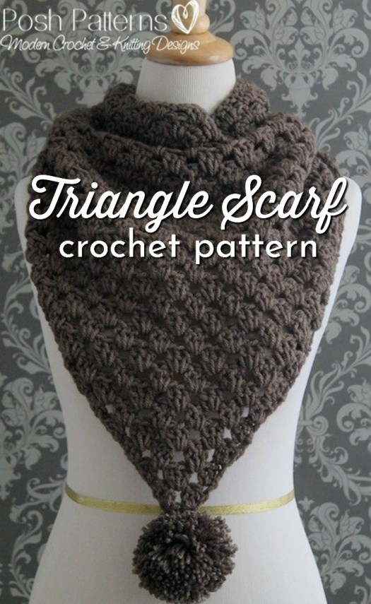 Simple granny stitch triangle scarf crochet pattern. I love the simple texture that results. Perfect crochet project for beginners! #crochetpattern #crochetcowl #crochetscarf #crochetaccessories #crochetwear #craftevangelist