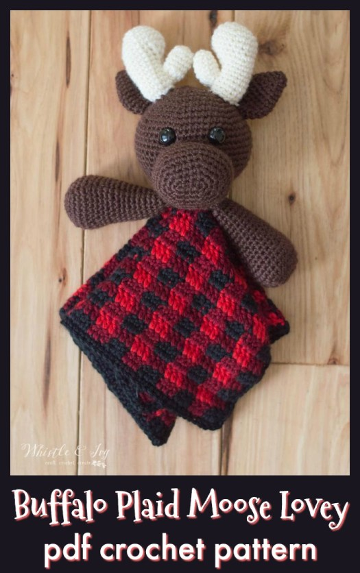 Adorable plaid moose lovely crochet pattern. This is a great way to learn and practice the plaid colourwork technique on this adorable amigurumi moose, which would make a lovely gift for a new baby. #crochetpattern #crochetlovey #crochetplaid #amigurumipattern #crochetmoose #crochetforbaby #plaidcrochet #craftevangelist