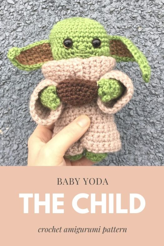 Baby Yoda Patterns are all the rage! Oh my goodness! Star Wars the Mandalorian the Child baby yoda crochet pattern is soooooo cute! Check this out while they're still available! #crochetpattern #amigurumiyoda #babyyodapattern #crochetbabyyoda #amigurumibabyyoda #thechild #starwars #themandalorian #craftevangelist
