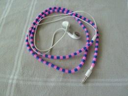 Iron bead ear phones