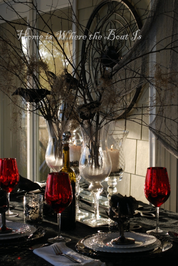 10 elegant halloween table themes craft gossip. Black Bedroom Furniture Sets. Home Design Ideas