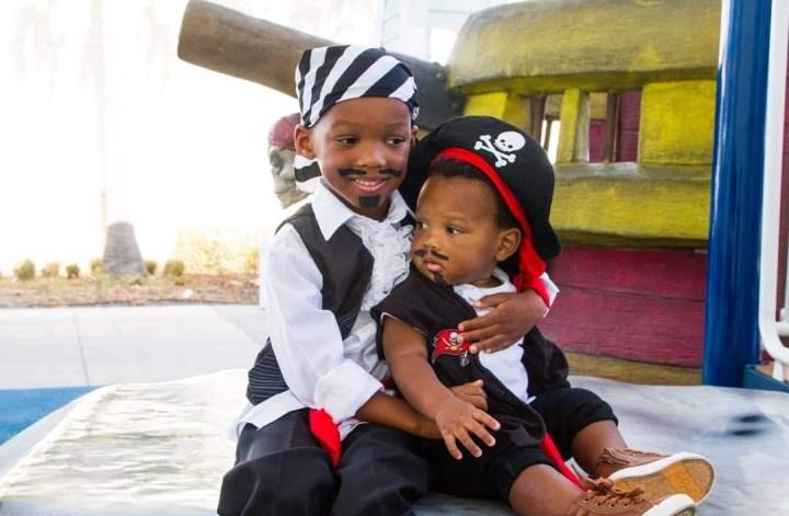 DIY pirate costumes
