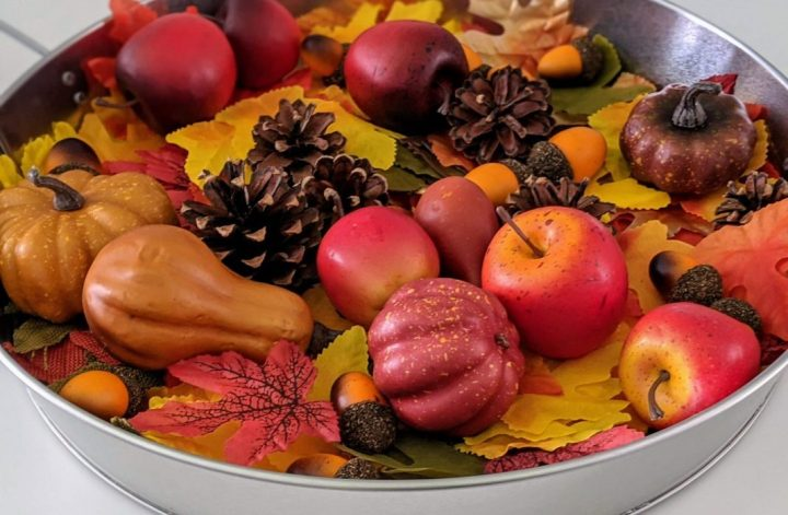 fall sensory tray for kids