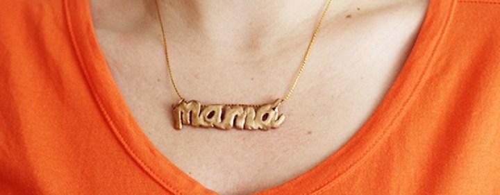 b_5_collar_mama_plastilina_en_uso