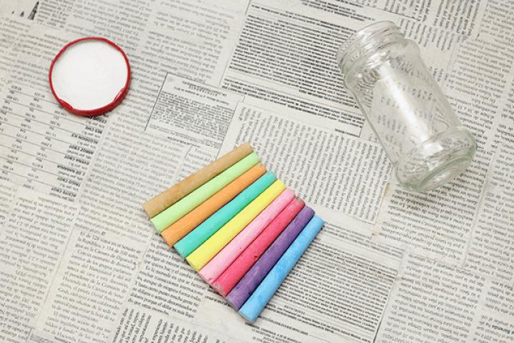 Estos son los materiales para hacer sal pintada / Supplies to make your own colored salt