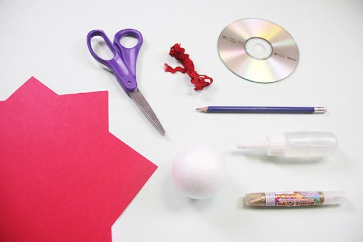 Materiales para hacer esferas de navidad hechas de papel