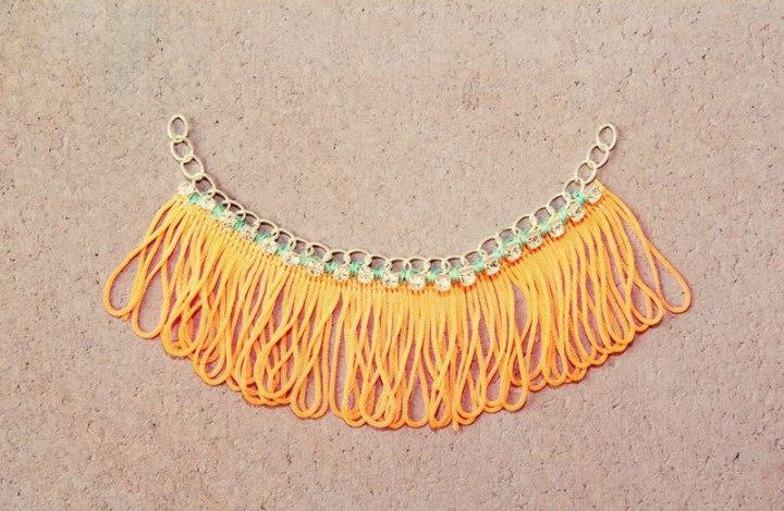 collar-franja-naranja