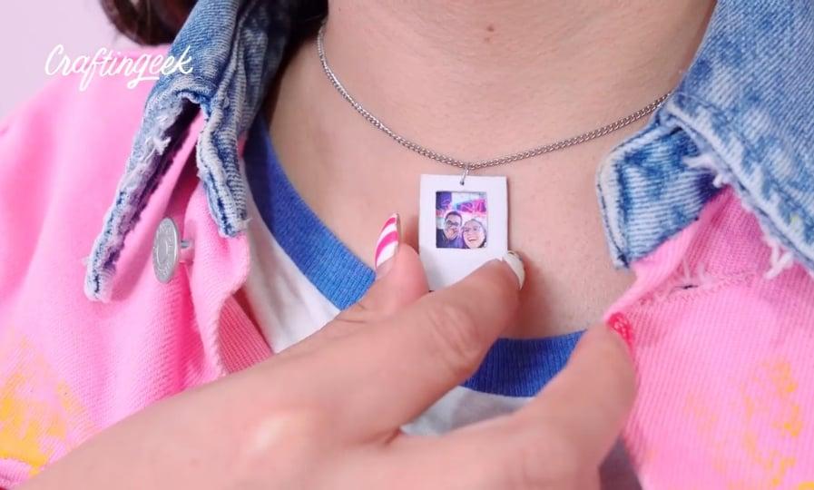 collar de polaroid