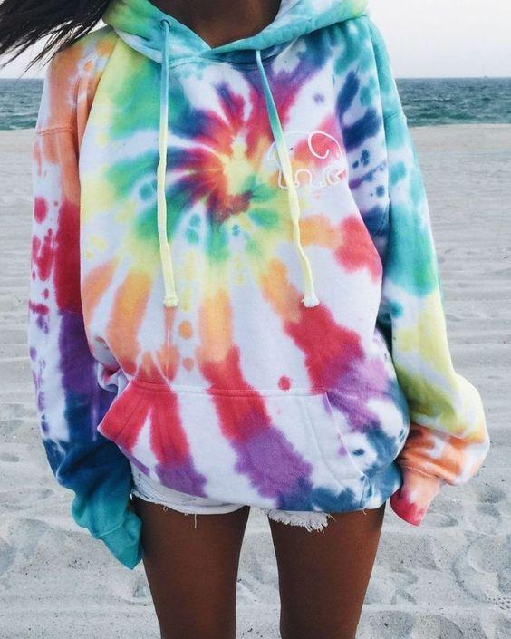 Tie dye hoodie arcoiris.