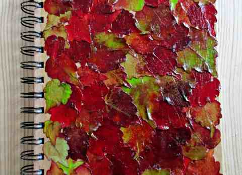 Did you know you can decoupage with beautiful autumn leaves from your garden? This simple tutorial shows you how. This is the perfect fall craft!