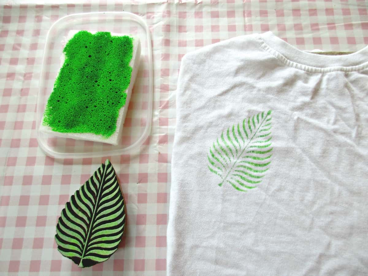 how to make fabric paint for upholstery