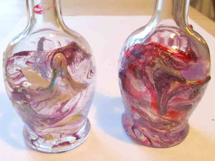 This simple tutorial explains how to marble glass bottles using nail polish - it's a great way to use up all those polishes you never wear, with stunning results!