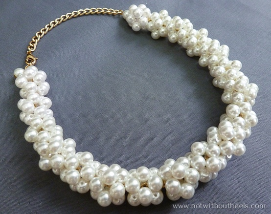 DIY White pearl necklace