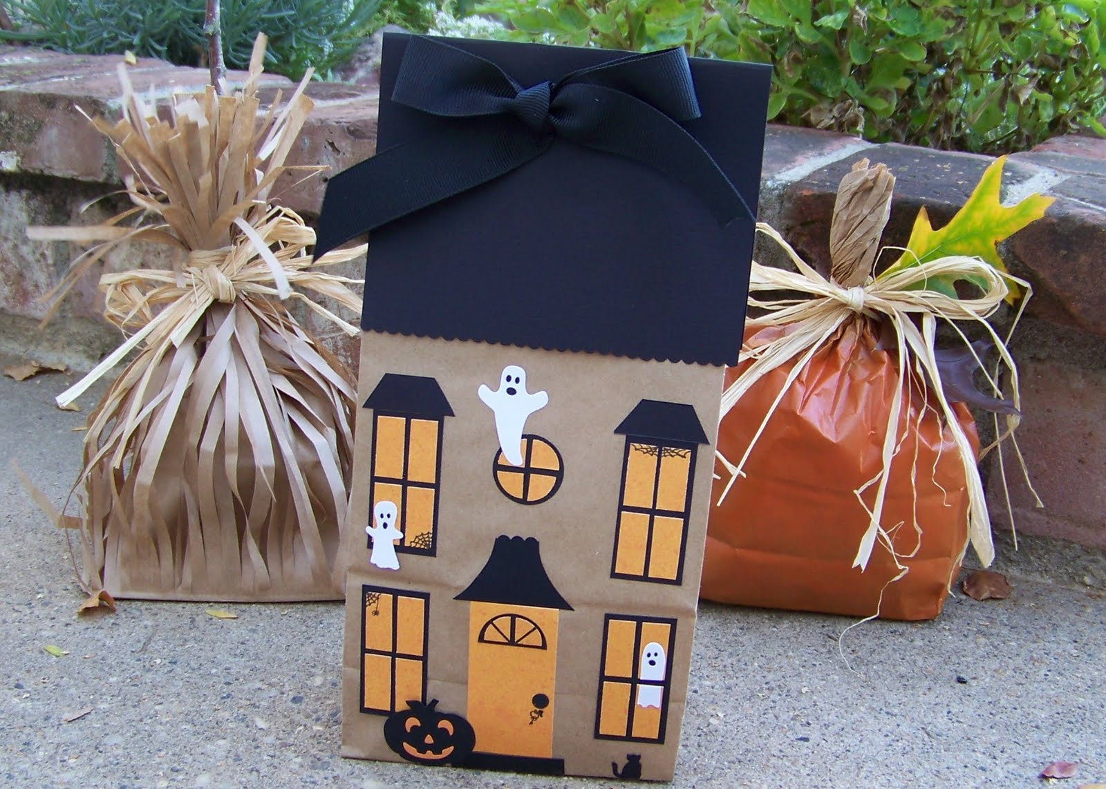 3 Designs of Cute Crafts Using Paper Bags Paper Lunch Sack Craft Ideas For Fall Dollar Store Crafts