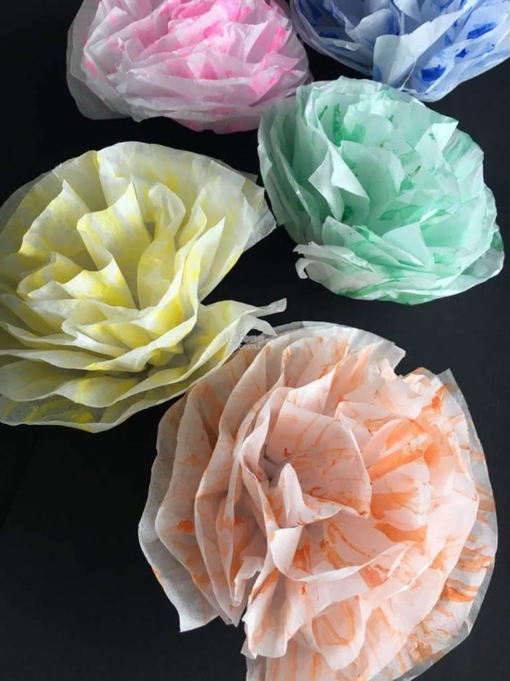 3 Easy Designs of Crafts Out Otissue Paper