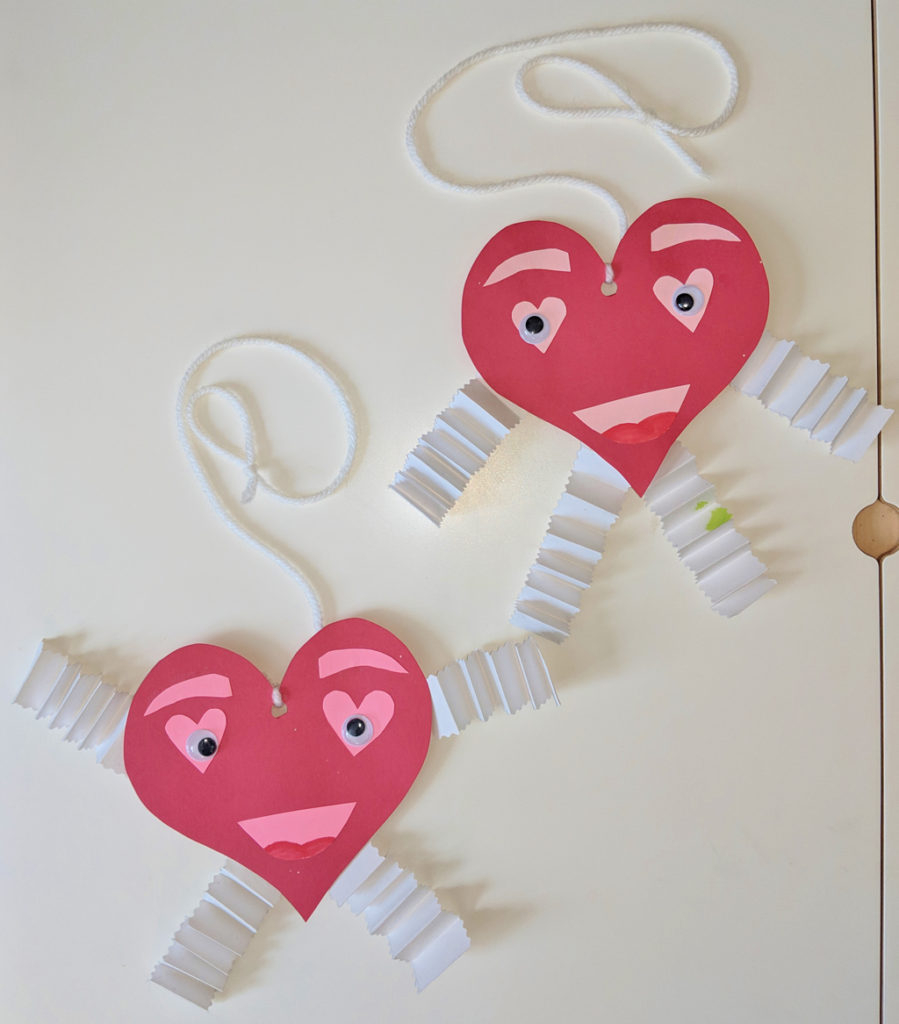 Awesome valentine construction paper crafts 3 Easy Valentines Day Crafts Felt Board Game Raising Hooks