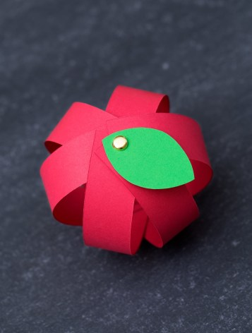 Easy Construction Paper Crafts Make Your Own Easy Paper Apple Craft With Free Printable Template
