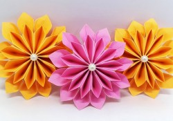 Giant paper flowers for crafting as wall decor Diy Paper Flowers Easy Making Tutorial Origami Flower Paper