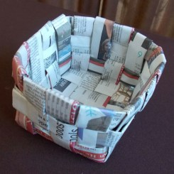 Paper Basket Craft Ideas 36 Tutorials For Weaving A Basket Out Of Newspaper Guide Patterns