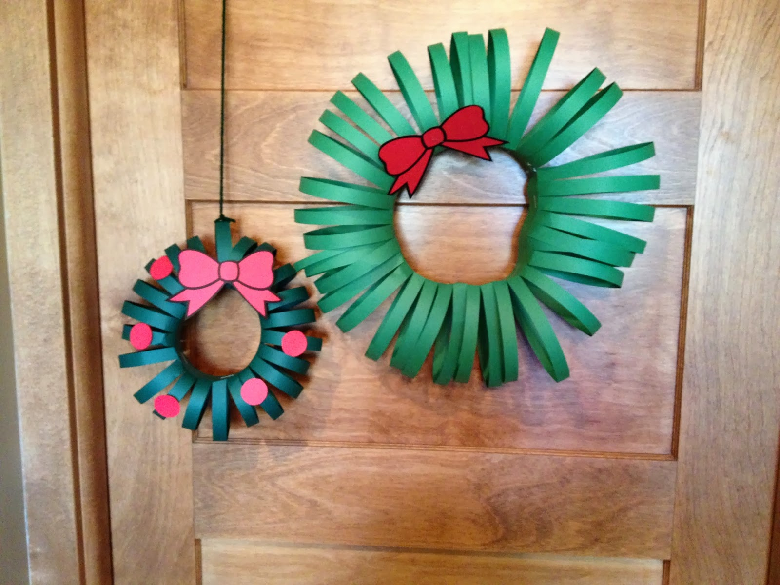 Simple and Cute Construction Paper Crafts for Kids Cats On The Homestead Paper Wreath Craft
