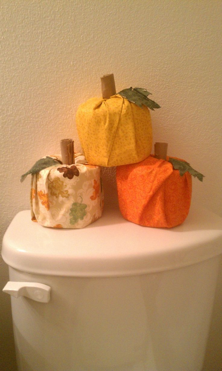 Toilet paper turkey craft for Thanksgiving decor Turkey Decorations Ideas For Kids Homemade Thanksgiving