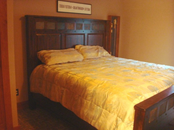 Lower-level King Bed