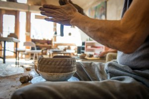 The clay conjurer | Craftsmanship Magazine, Spring 2015