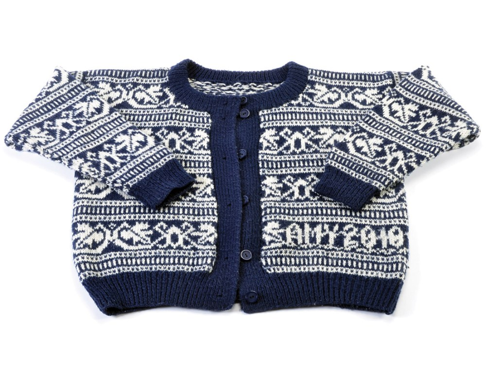 knitted blue and white patterened cardigan