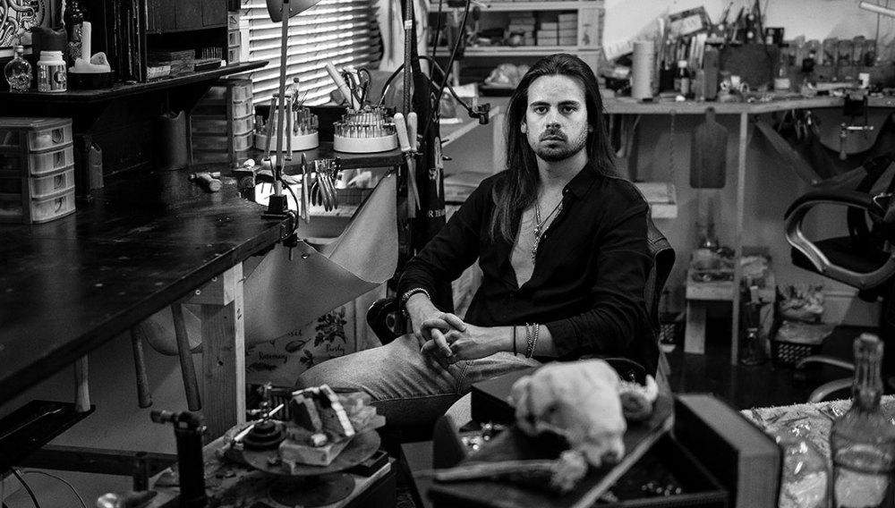 Portrait photo of artist Jordan Herry