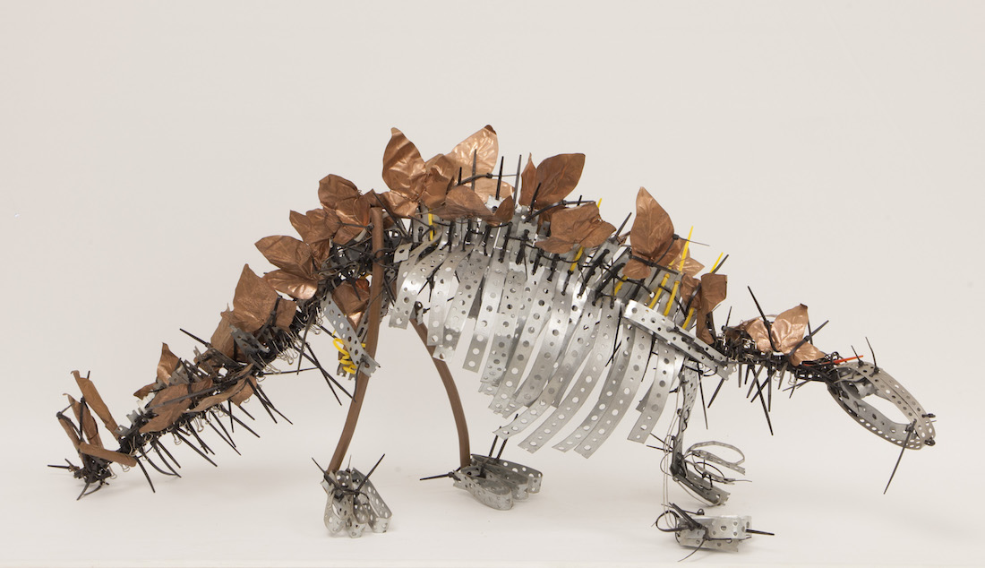 metal stegosaurus scultpure