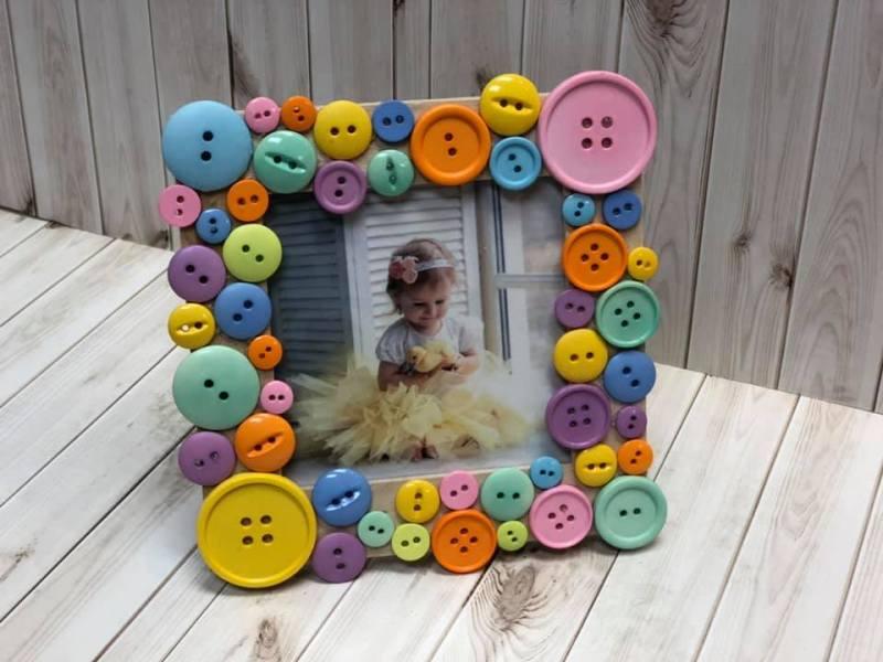 Spring Button Picture Frame @ Medford Location | Medford | Oregon | United States