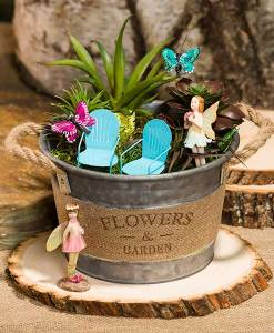 Tin Garden Bucket with Burlap