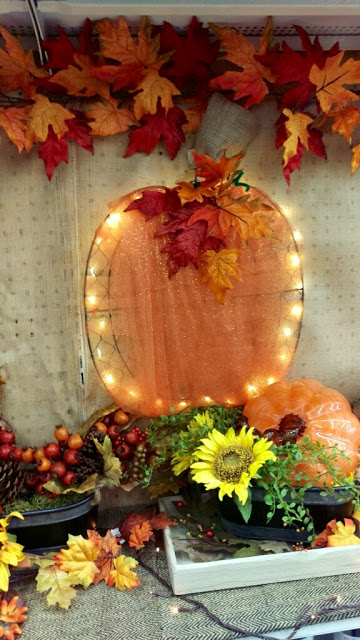 Decorater Wire Wall Pumpkins